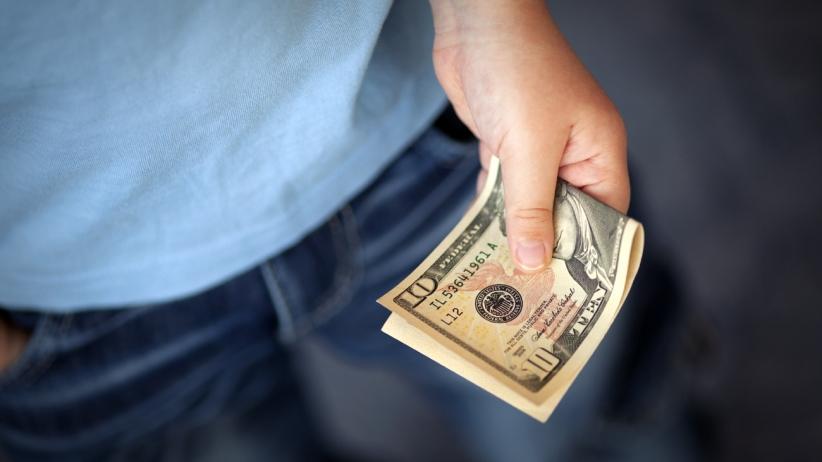 20150618164206-money-10-bill-cash-lend-pocket
